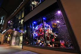 Window Display Christmas Decorations Uk by Christmas Window Displays Go Up At Manchester Shops Manchester