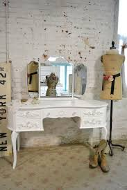 White Painted Furniture Shabby Chic by Best 20 French Vanity Ideas On Pinterest Vintage Furniture