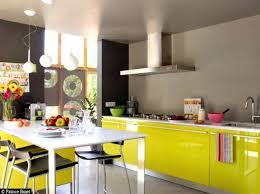 cuisine moutarde meuble cuisine jaune cuisine jaune moutarde peinture jaune