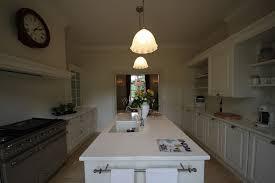 maitre de la cuisine cuisine blanc noir gris divers besoins de cuisine