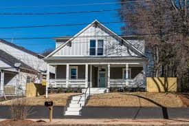 Five Bedroom House Blocks From Future Atlanta Beltline Hip Five Bedroom Listed For