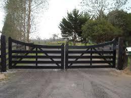 best 25 farm gate ideas on farm entrance driveway