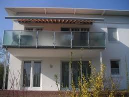 balkon jalousie sichtschutz balkon folie garten balkon design ideen