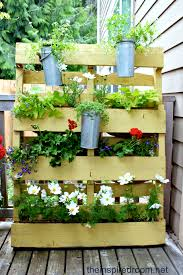 landscaping ideas using pallets pdf