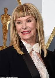 does kate capshaw have naturally curly hair femail rounds up the worst hairstyles from the oscars red carpet
