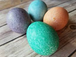 Decorating Easter Eggs Food Coloring by Oil Marbled Easter Eggs Decorating Idea Crafty Morning
