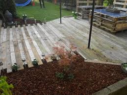 How To Make Patio Furniture Out Of Pallets Diy Pallet Patio Furniture Pallet Deck