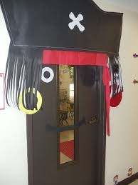Pirate Decoration Ideas Best 25 Pirate Door Ideas On Pinterest Pirate Theme Pirate