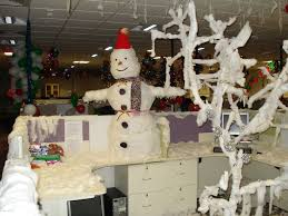 Cubicle Decoration Themes For Christmas And New Year by Workstation Decoration For Christmas Decorating Ideas