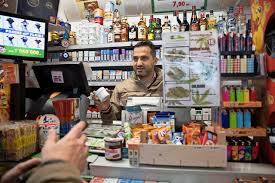 trouver un bureau de tabac commerce le cannabis débarque dans les kiosques et fait un tabac