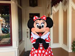 dining review of character breakfast with minnie and friends at