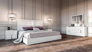 buy platform beds or modern beds in modern miami