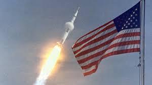 Flag Im Raumfahrt Ist Für Trump Mittel Zum Militärischen Zweck C U0027t Magazin