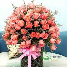 big bouquet of roses big flowers basket for happy birthday