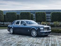 roll royce australia paris show rolls royce unveils its city slicker goauto