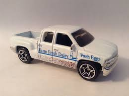 matchbox chevy silverado 1999 la u0027s diecast blog project chevy silverado and car trailer