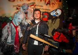2014 halloween horror nights celebrities visit halloween horror nights the dishmasterthe