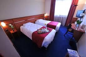 chambre lit jumeaux chambre avec lits jumeaux photo de brit hotel nantes la beaujoire