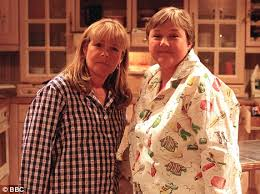 Seeking Feather Cast Birds Of A Feather Robson And Pauline Quirke Reunite