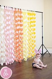 diy photo booth backdrop choose the color of the streamers to