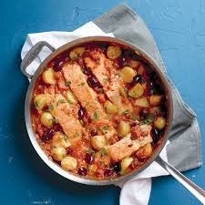 8 Classic Fish And Seafood Sauce Recipes Salmon And Potatoes In Tomato Sauce