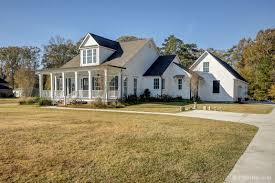 5 bedroom home don t miss this beautiful 5 bedroom custom home 6441 oak cluster