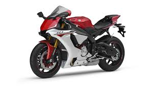 cbr bike new model 2014 2015 yamaha yzf r1 studio and action shots show more superbike