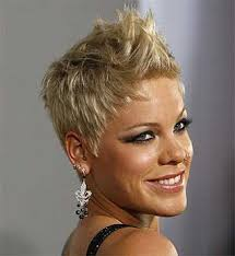 pinks current hairstyle the 25 best pink singer hair ideas on pinterest singer pink