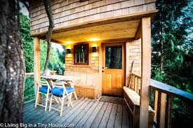 Treehouse Living Life In The Trees With The Treehouse Masters Living Big In A