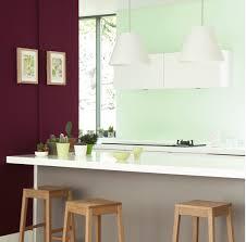 chambre couleur vert d eau deux couleurs de peinture en contraste vert d eau et prune dans