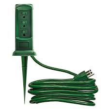 yard power stake 12 ft 13 amp 3 outlet