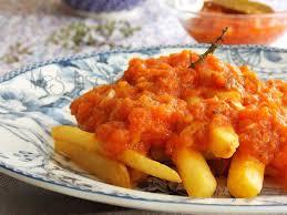 cuisine traditionnelle algeroise batata mchermla a l algéroise frites en sauce tomate recette