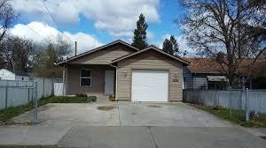 Covered Garage 3 Bedroom Grants Pass Property Management