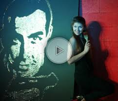 woman speed painter entertainment agency corporate event