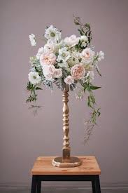 How To Make A Flower Centerpiece Arrangements by Best 25 Tall Centerpiece Ideas On Pinterest Tall Wedding