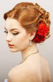 Hochsteckfrisurenen Lockige Haare by Elegante Lockige Hochsteckfrisur Mit Rot Gefärbten Haaren Rote Haare