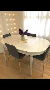 round table palo alto shabby chic dining table with 2 addl leaves and 6 upholstered