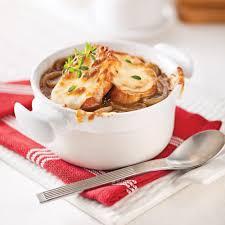 cuisiner les oignons soupe à l oignon express astuces pour gagner du temps recettes