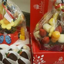 fruit arrangements delivered edible arrangements 17 photos 42 reviews gift shops 9359 c