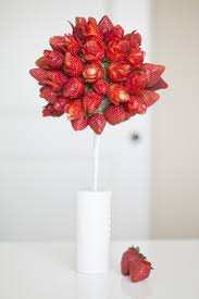 Decorative Ways To Cut Strawberries 20 Ways To Make Your Food Look Like Flowers Flower Shaped Foods