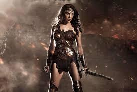 imágenes wonder woman batman v superman review wonder woman bests affleck and cavill