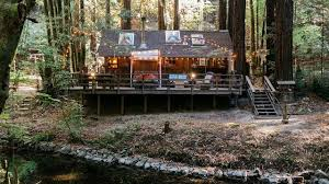 a mountain cabin with a treehouse outdoor canopy bed youtube a mountain cabin with a treehouse outdoor canopy bed