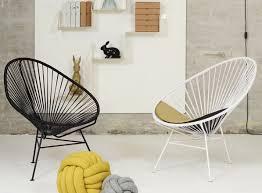 siege scandinave une chaise acapulco à l intérieur joli place