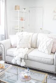 Livingroom Nyc Best 25 City Apartment Decor Ideas On Pinterest Chic Apartment
