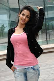 Guess Who Sonal Chauhan Is Dating