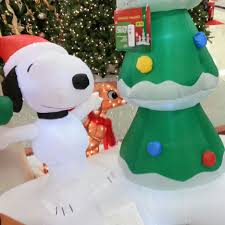decoration ideas snoopy decor ideas snoopy doghouse
