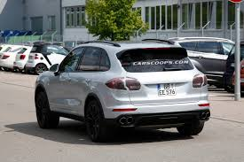 Porsche Cayenne Facelift - spied porsche gives 2015 cayenne a mid cycle facelift