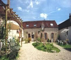 chambre d hote yonne aux 3 roses maison de charme proche guedelon à villeneuve sur yonne