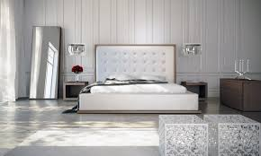 White Platform Bedroom Sets Modloft Ludlow 5 Piece Platform Bedroom Set In Walnut And White