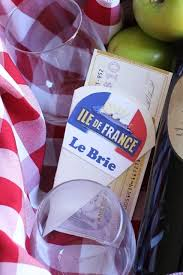 wine and cheese gifts best 25 cheese gift baskets ideas on christmas